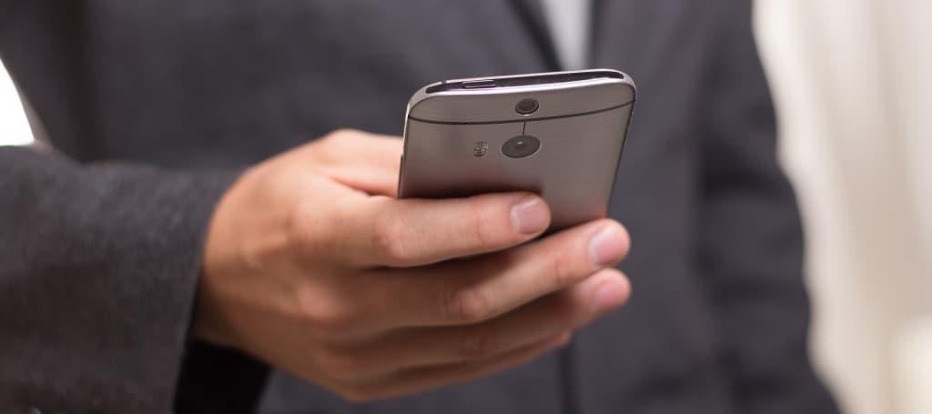 Smartphone mit der Extrapolice24 Handyversicherung bereits ab 4,95 Euro im Monat schützen.